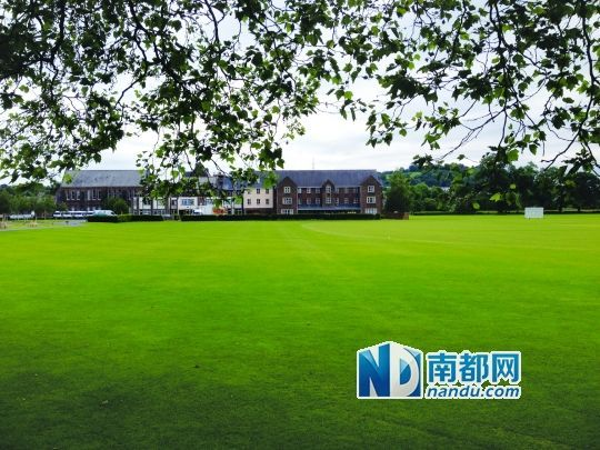 Christ College,Brecon校园一景。英国的寄宿中学都环境优美,设施完善。 南都记者 宋金绪 摄
