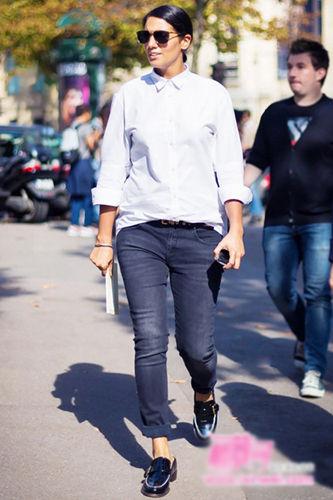 衬衫+瘦腿裤随性舒适