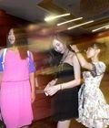 高中生举行舞会