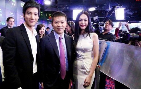 曹国伟请来了王力宏和微博女王姚晨站台。