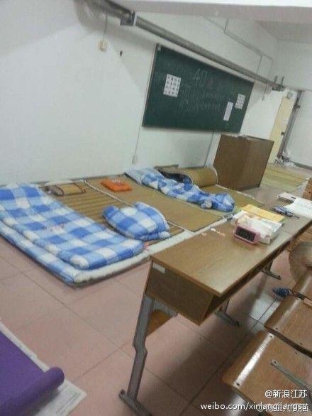 南京医科大学宿舍不装空调 学生以教室 为家图片