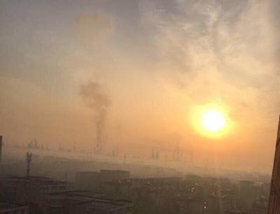 南京扬子石化厂区时隔一年再度爆炸(组图)