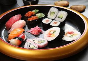 4.寿司现场DIY,请三位嘉宾制作给自己的爱人