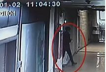 视频:监拍女子在商场上厕所遭猥琐男偷拍